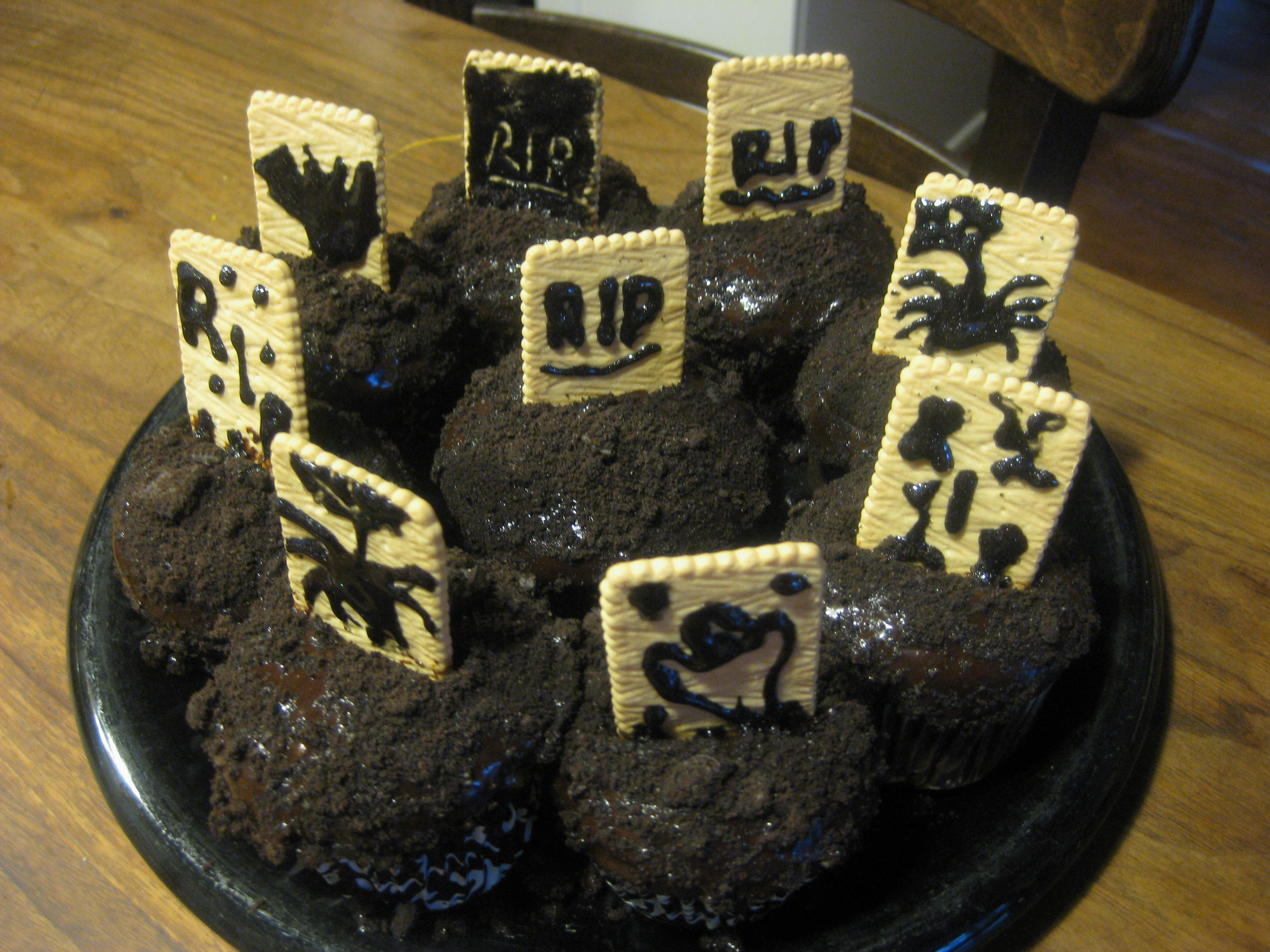 Graveyard Cupcakes