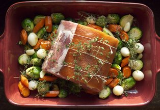 4_bone_pork_loin_roast_and_bacon_rind
