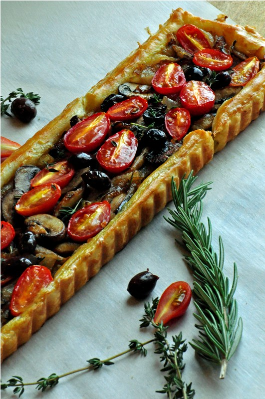 Pissaladire~ A French Tart with Caramelized Onions, Mushrooms &amp; Tomatoes