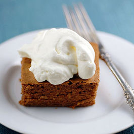 Gluten-free-cinnamon-apple-cake-whipped-cream-frosting