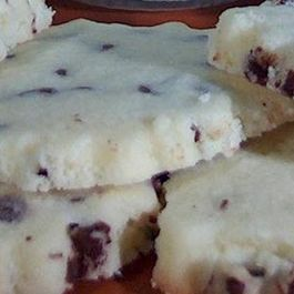 Christmas-butter-cookies-a-different-type-of-chocolate-chip-32412