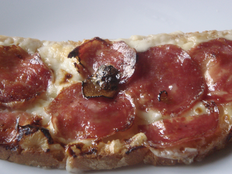 Grilled Taleggio cheese, Salami and Truffle Honey - Crostone di Taleggio, Salami con Miele Tartufato