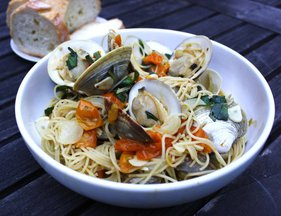 Joseph_fisheries_little_neck_clams_with_taliaferro_farms_sungold_tomatoes_basil_garlic_and_spaghetti
