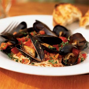 Mussels Marinara with Angel Hair Pasta