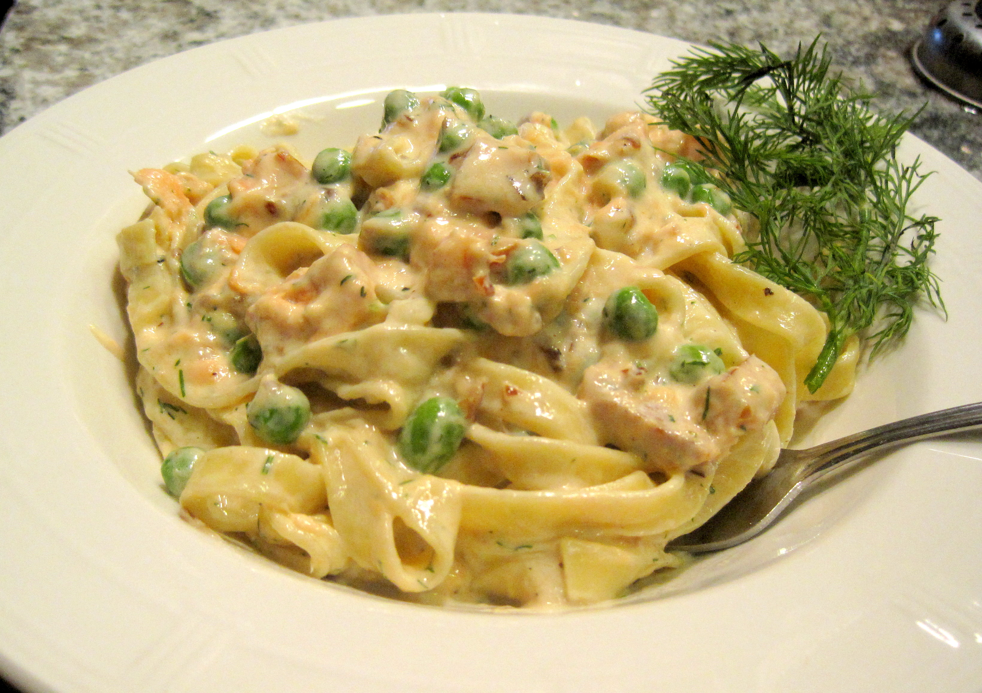 Fettuccine with a Smoked Salmon and Dill Cream Sauce