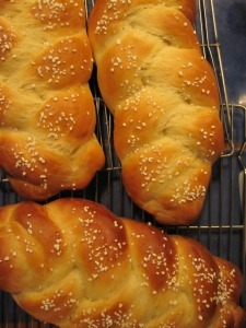 Cardamom-bread-from-oven