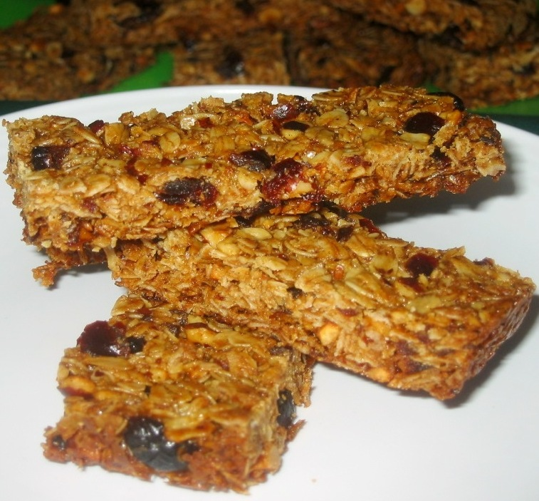 Cardamom, Hazelnut-Cherry Granola Bars