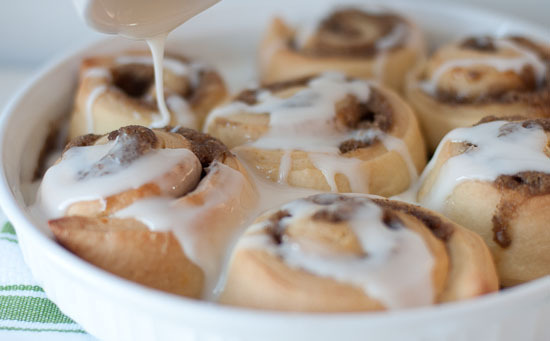 Frosting_the_rolls