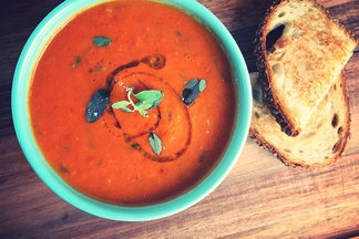 Homemade_tomato_soup_with_truffle_grilled_cheese