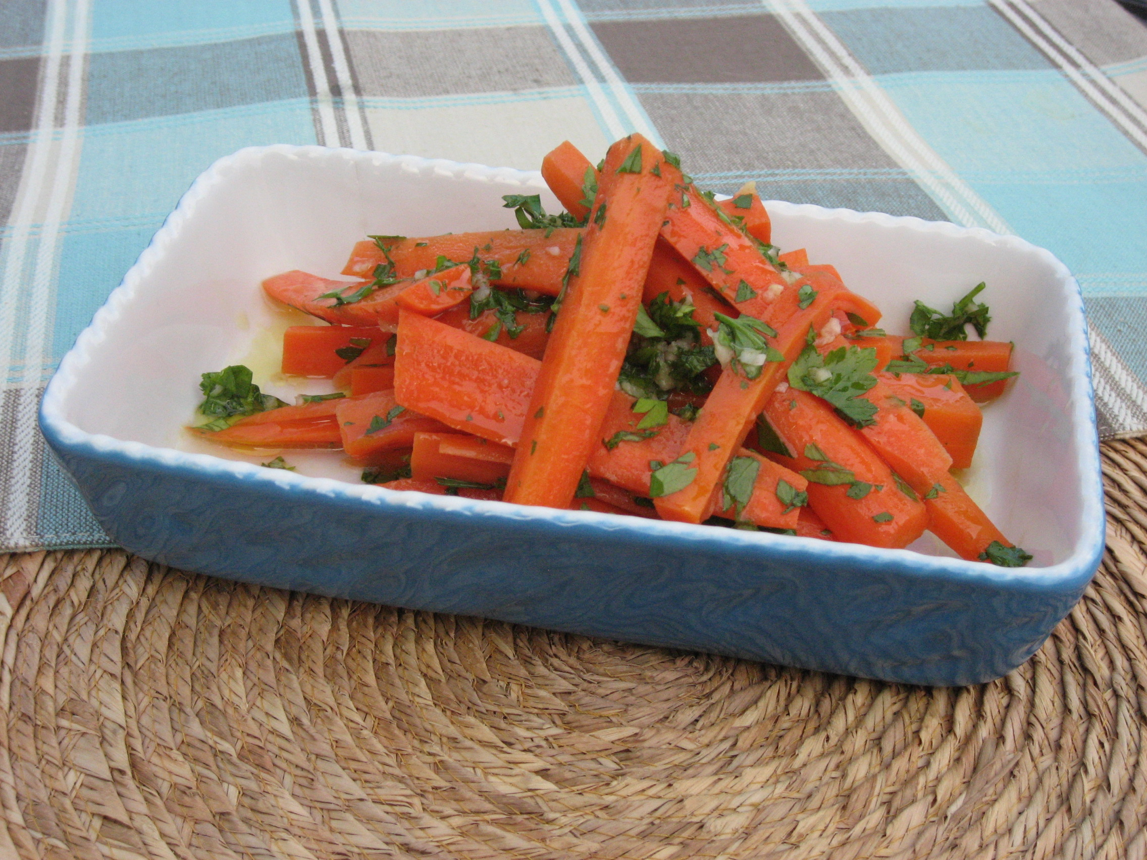 Italian Garlic &amp; Carrot Salad 