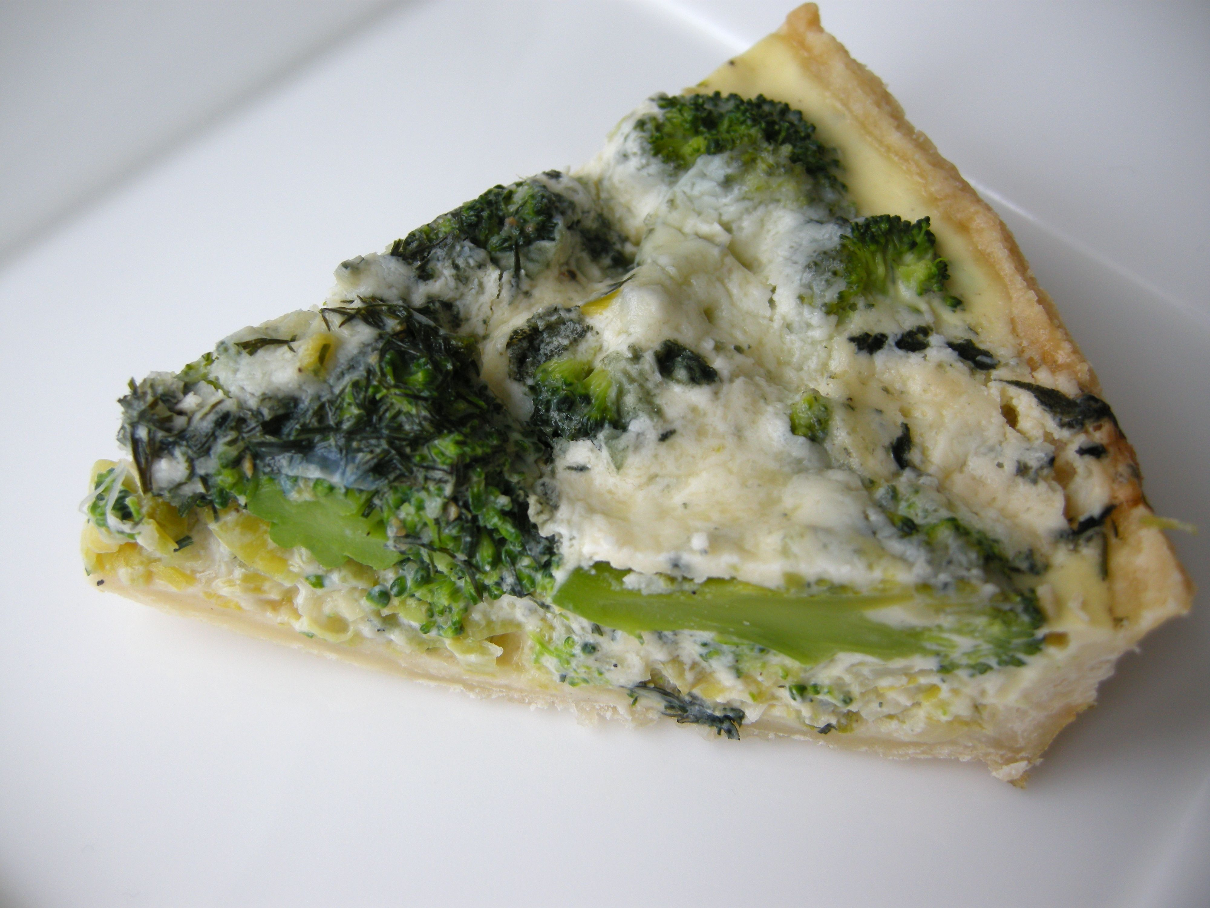 Broccoli, blue cheese and leek quiche