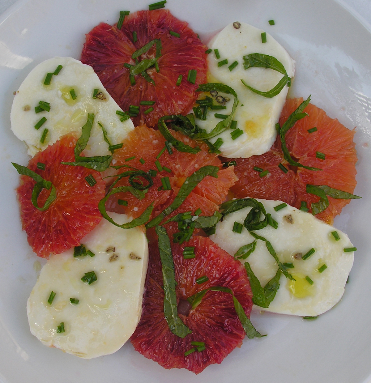 Winter Insalata with Ovoline Mozzarella and Citrus