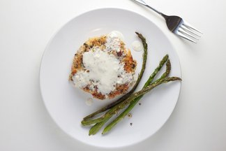 Pepper crusted salmon cakes with horseradish sauce