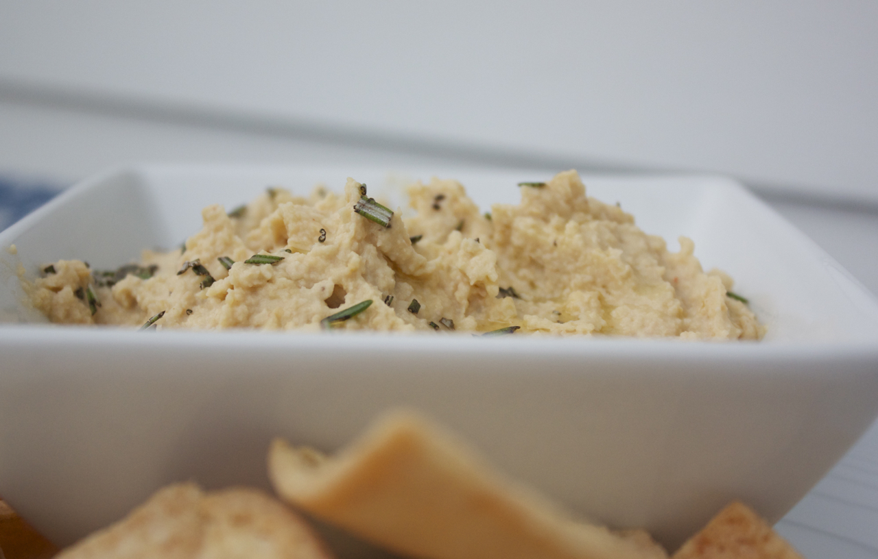Roasted Horseradish Hummus
