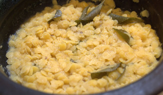 TUVAR DAL CURRY