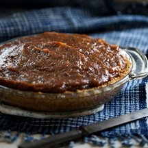 A_little_zaftig_salted_date_pie