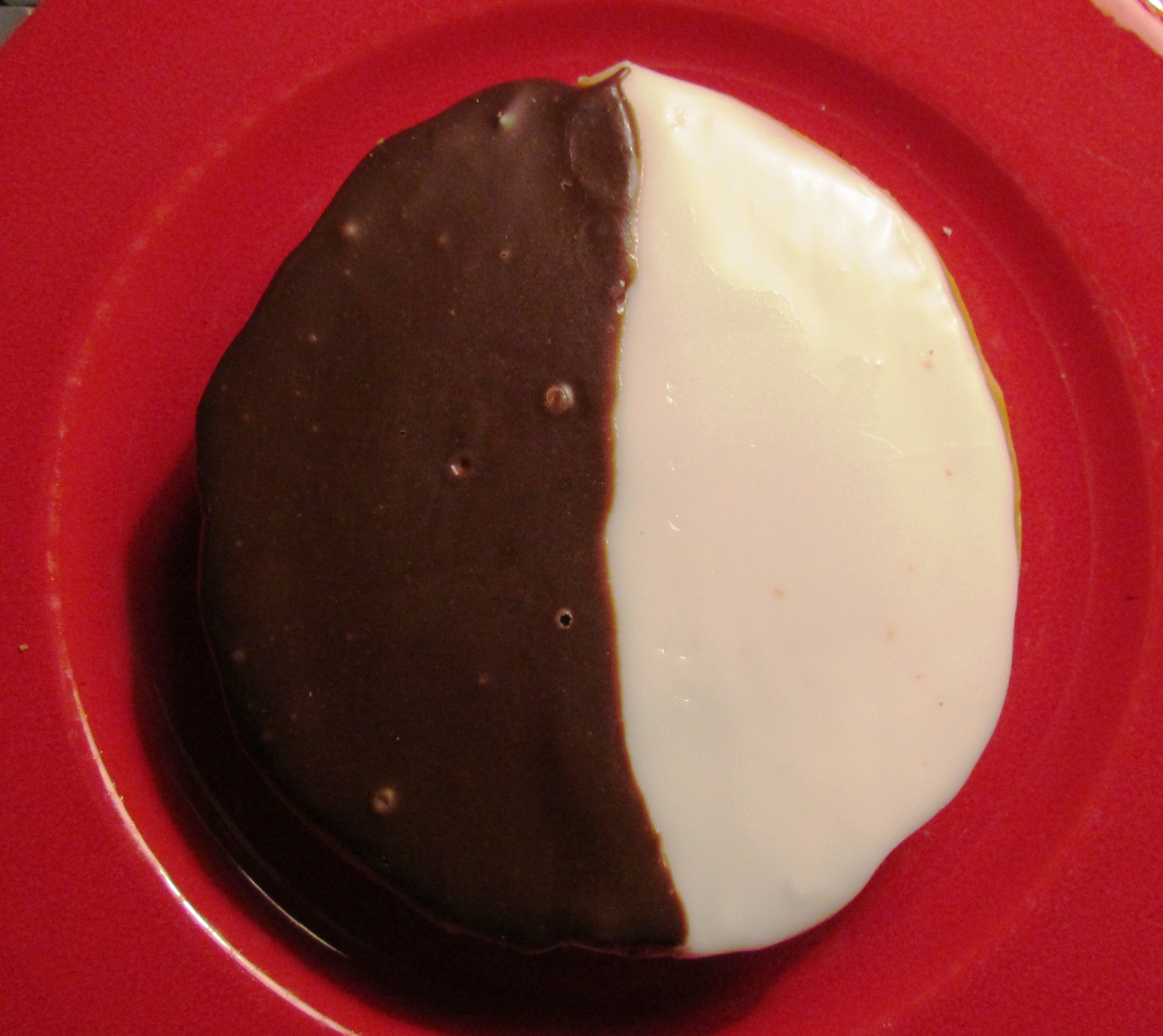 Santa&#x27;s Favorite Black and White Cookies