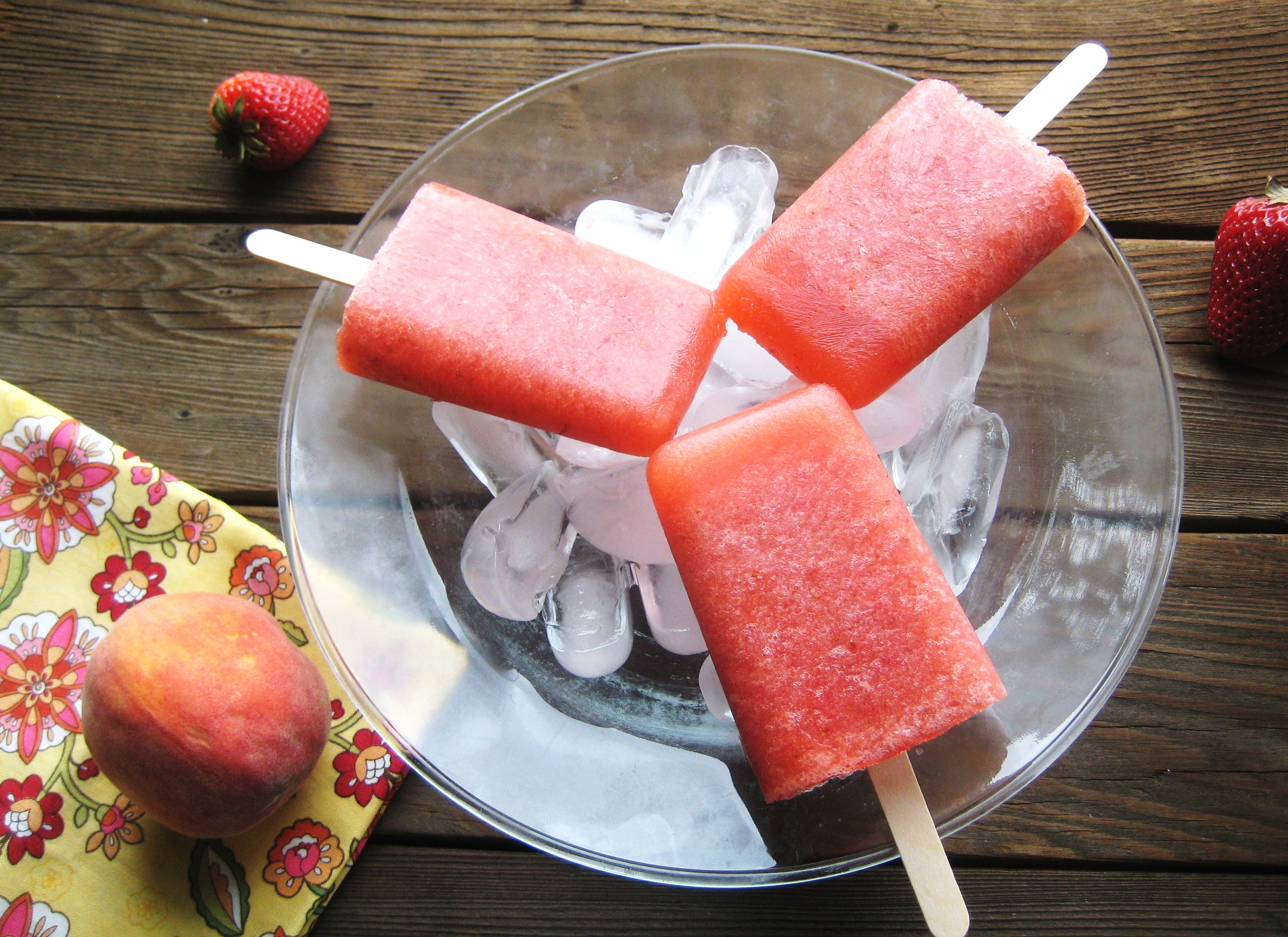 Strawberry Peach Sangria Pops