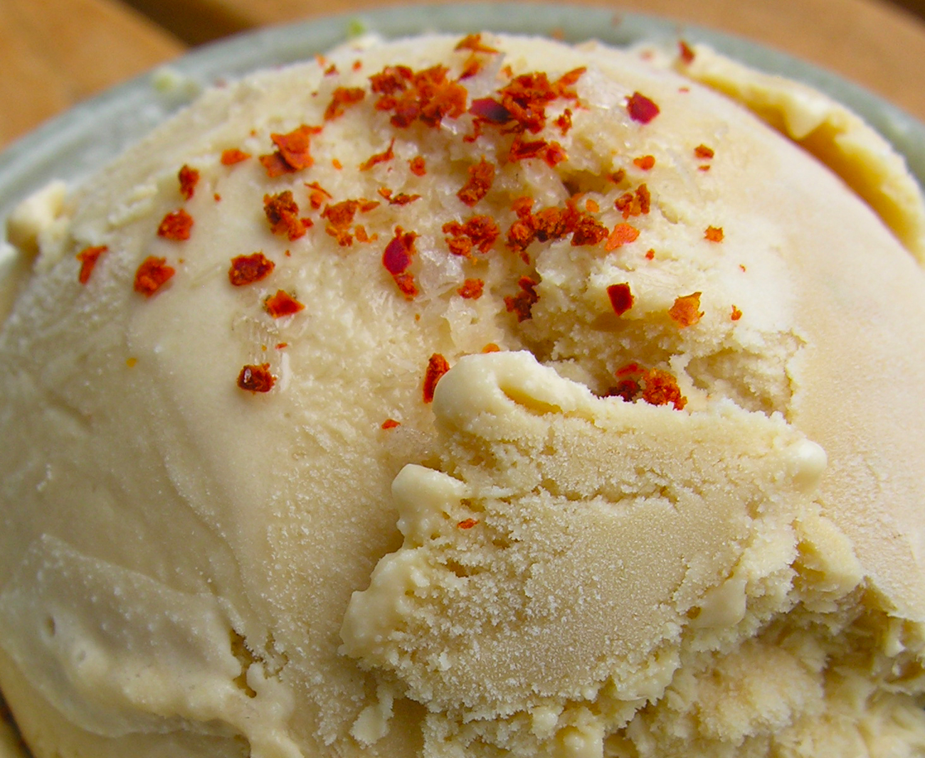 Hot pepper and citrus &quot;tea&quot; ice cream