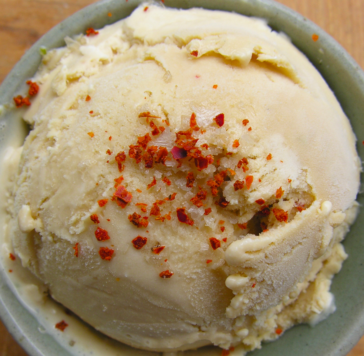 "Hot pepper and citrus ""tea"" ice cream"