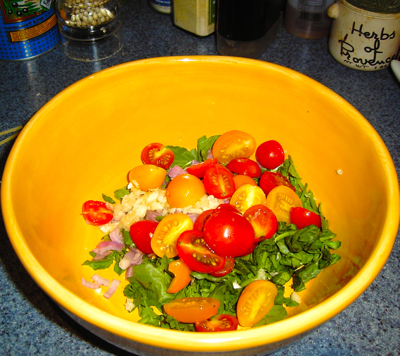 Semi-Cooked Cherry Tomatoes, Wild Watercress &amp; Fresh Mozzarella for Bucatini
