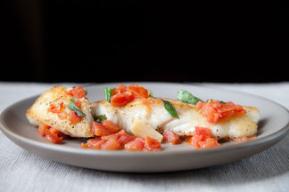 5625_halibut_w_basil_garlic_and_tomato