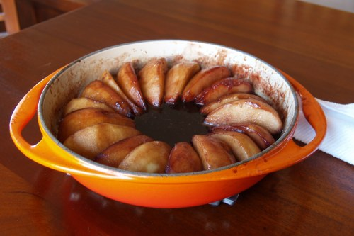 Tarte Tatin aux Poires et Vin (Pear Tarte Tatin with Red Wine Caramel Sauce)