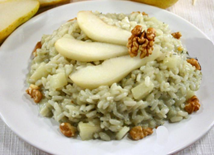 Gorgonzola and Pear Risotto with Walnuts - Risotto con Gorgonzola ...