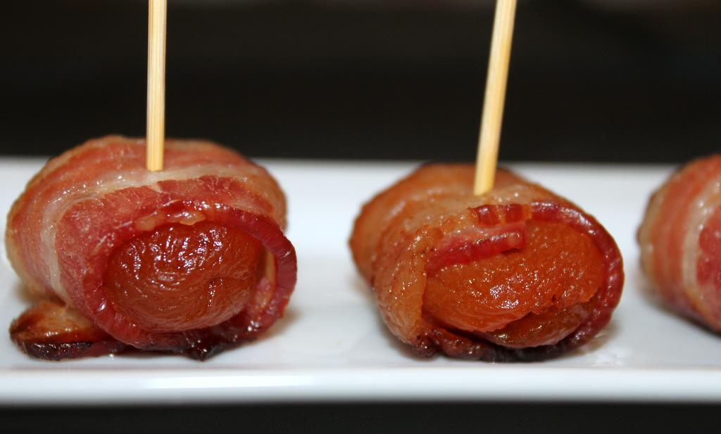 Bacon-Wrapped Apricots Stuffed with Pistachios and Mozzarella 