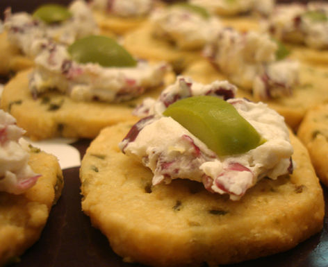Manchego-olive-crackers