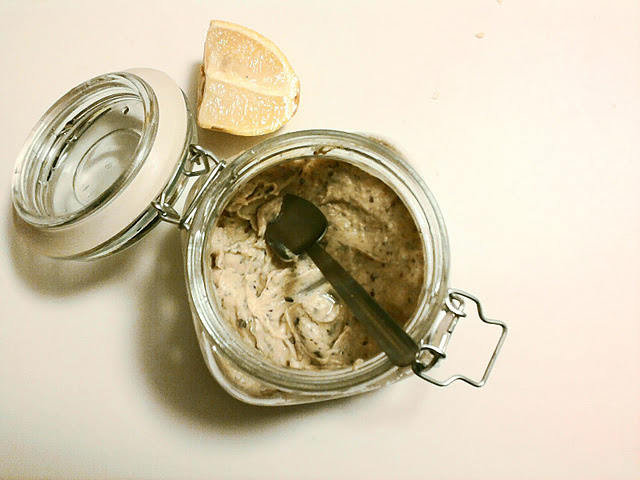 Fish-free pate