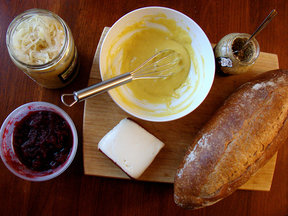 Cranberry-mustard_aioli