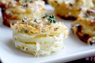 Scalloped_stacked_potatoes