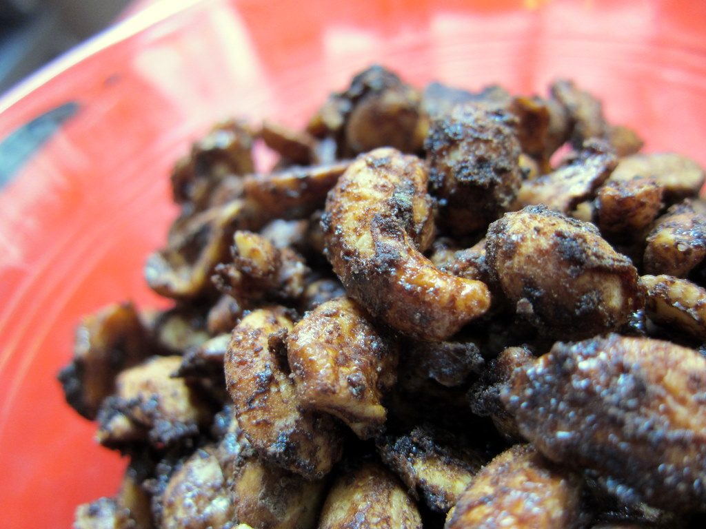 Sriracha Cocoa Cashews