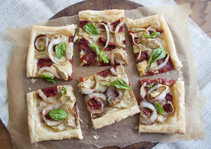 Sun Dried Tomato, Artichoke and Goat&#x27;s Milk Brie Tart