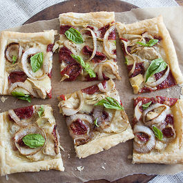 Sun_dried_tomato_and_goat_cheese_brie_tart_011412_0050