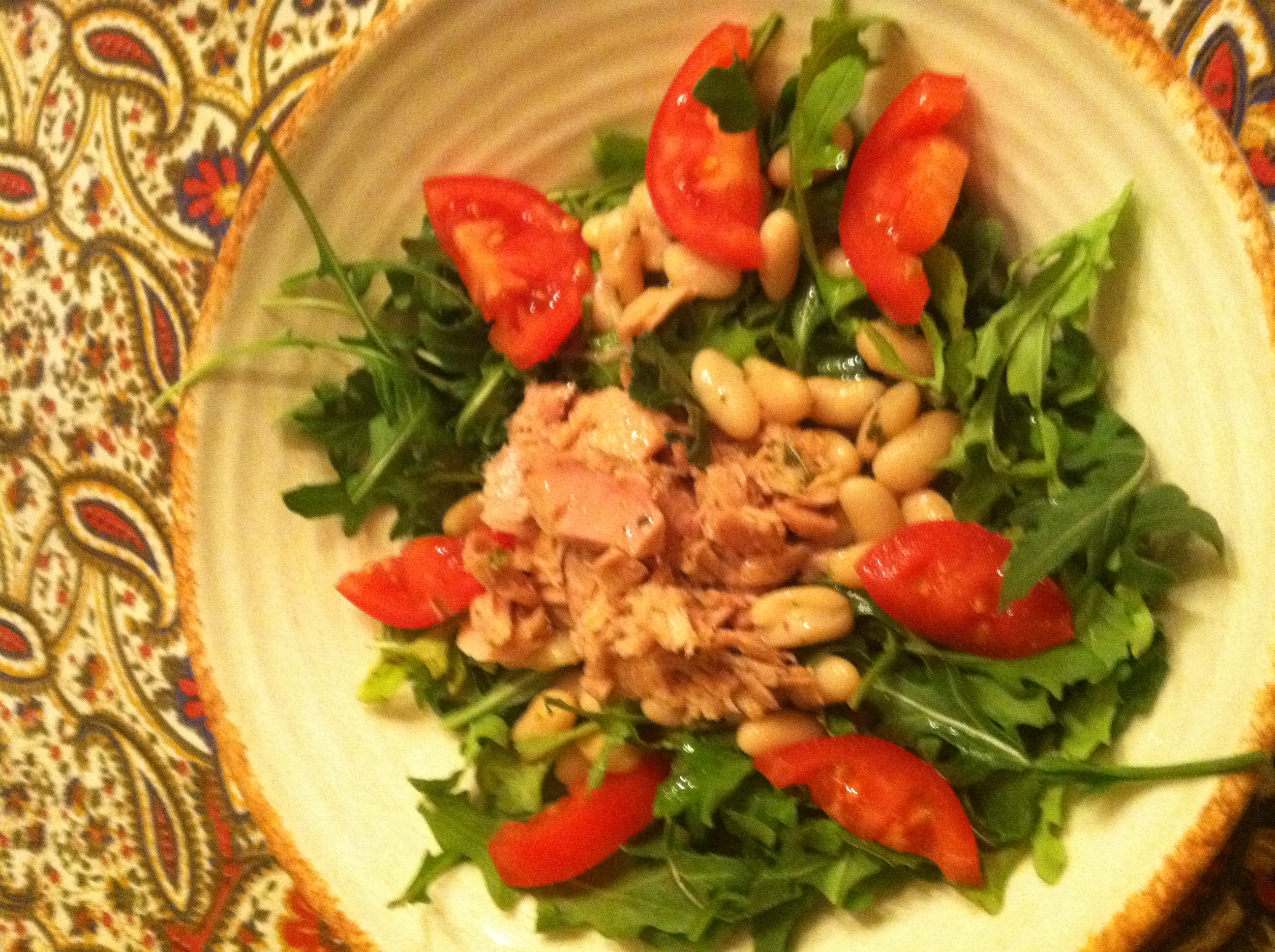Tuna, Cannellini Bean & Arugula Salad