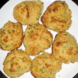 Scallion_and_goat_cheese_biscuits