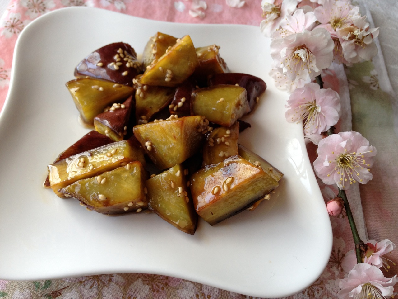 Maple-Glazed Sweet Potatoes (Japanese Daigaku Imo Style) w/ Vegan ...