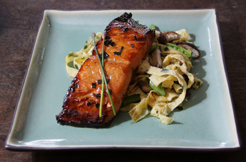 glazed salmon mirin recipes yummly sake ginger glazed salmon recept ...