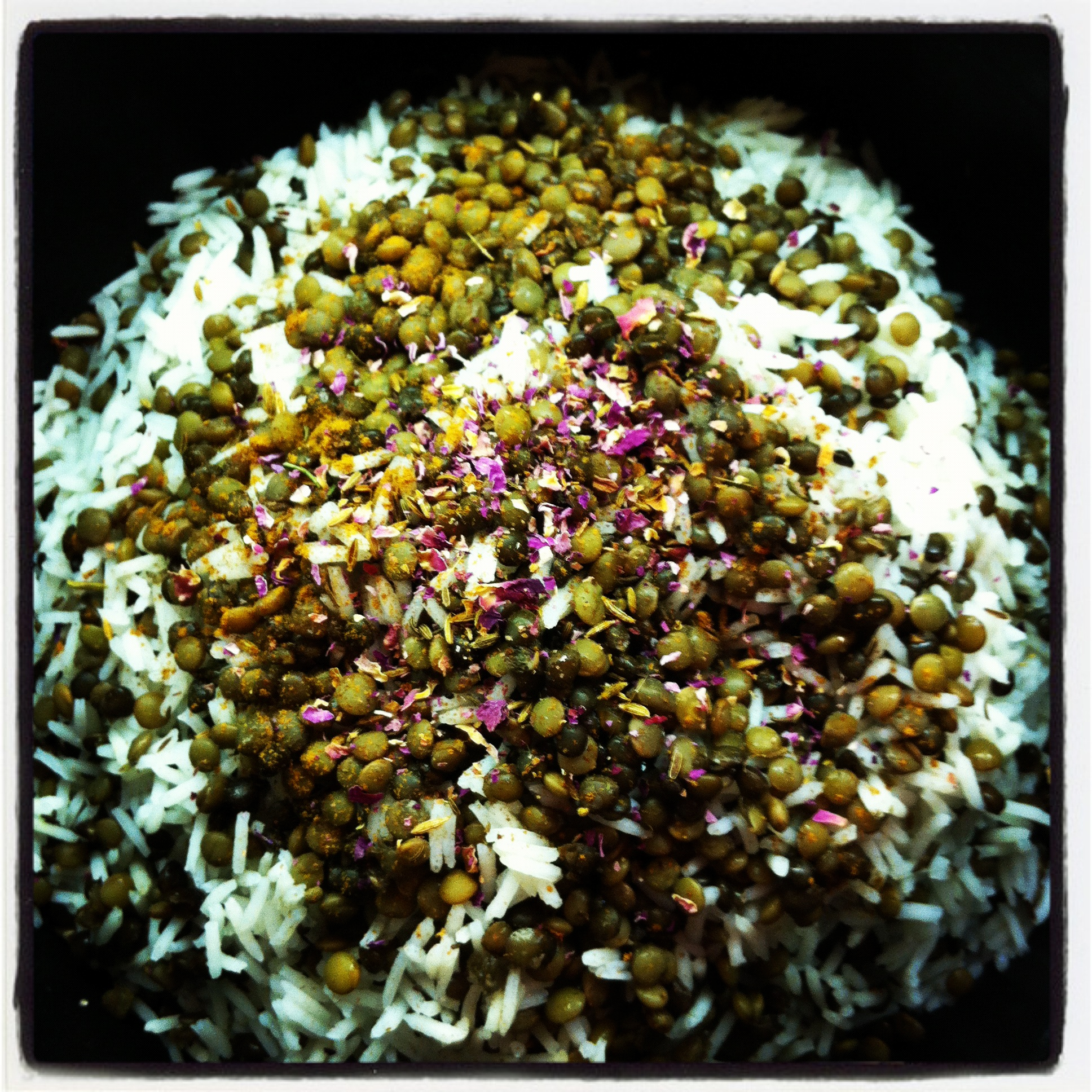 mashan's spiced (steamed) lentil rice with cinnamon dates