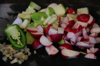 Radishes_and_apples-2