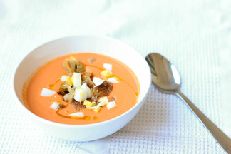 Salmorejo (Spanish cold tomato soup with serrano ham)