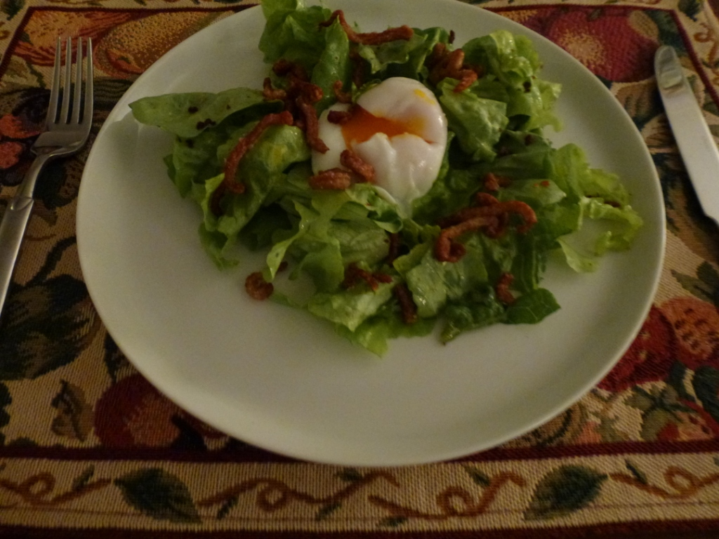 Green salad with poached egg, duck jerky crumbles &amp; duck crackling
