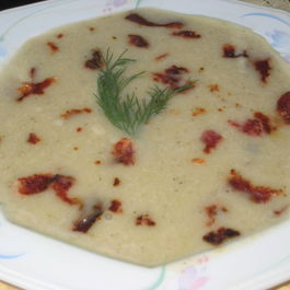 Potato-leek-mushroom_soup_with_hickory_smoked_bacon_bits_6-6-2012