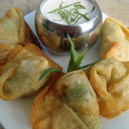 Crab_and_avocado_wontons