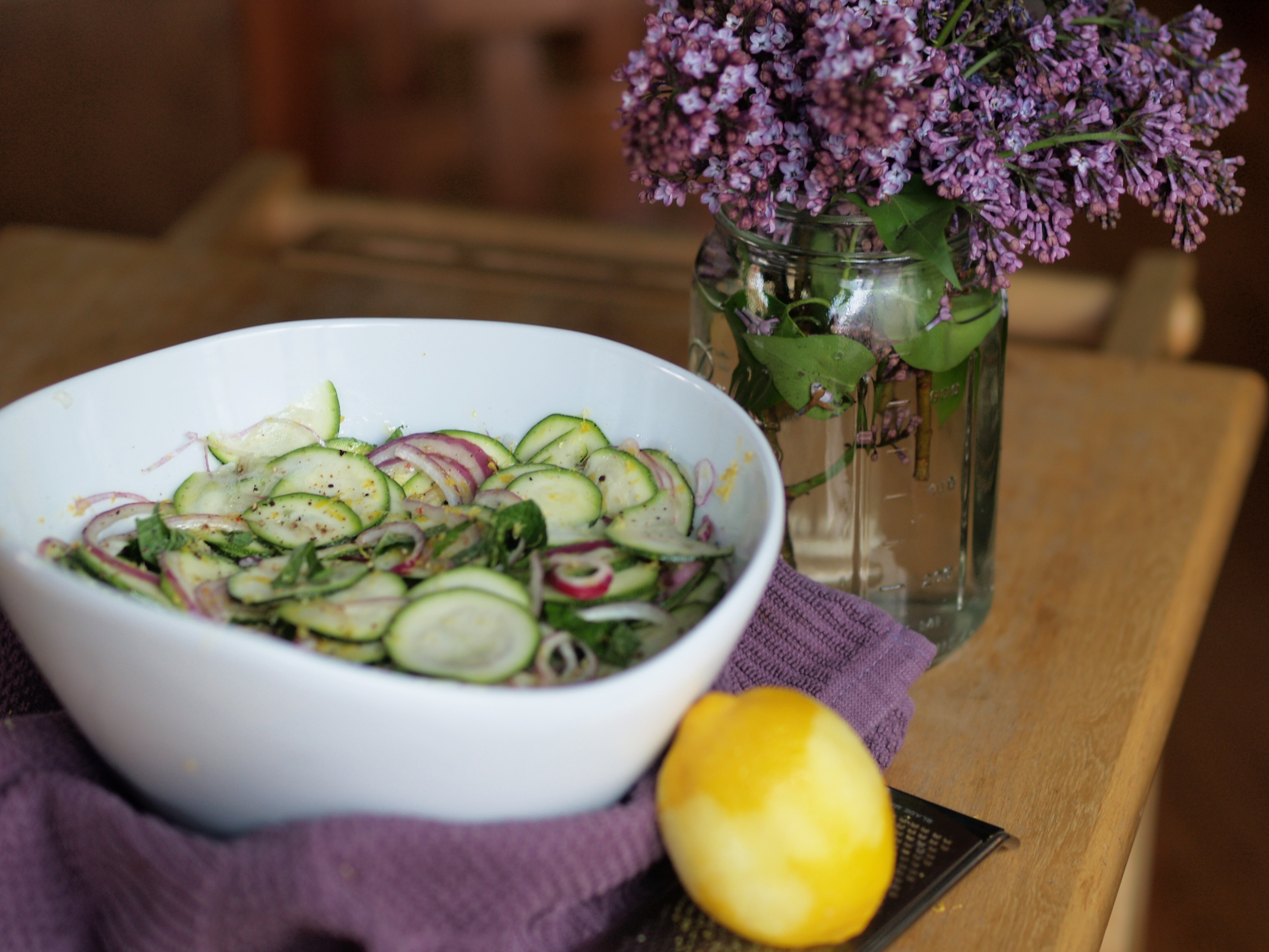 Marinated mint zucchini salad