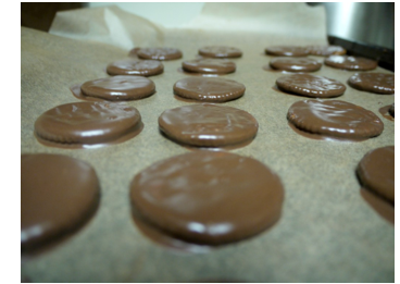 Copycat Recipe: Homemade Thin Mints