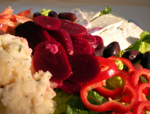 Greek_salad_with_beets