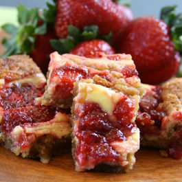 Strawberry_cheesecake_blondies-smaller